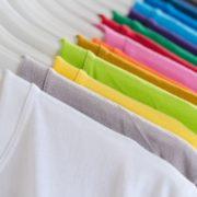 como empreender com camisetas lisas